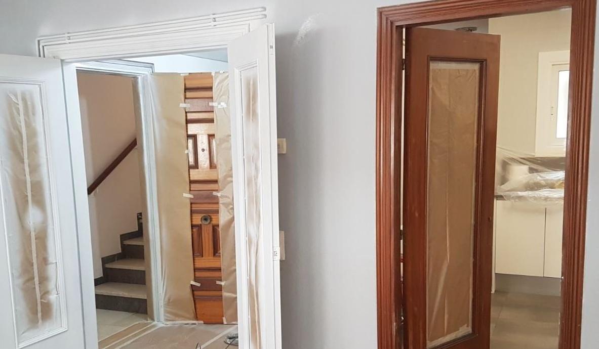 C mo pintar una puerta de madera - Cuanto vale pintar una habitacion ...