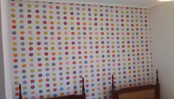 Como colocar papel pintado latest como colocar papel for Como colocar papel pintado en la pared