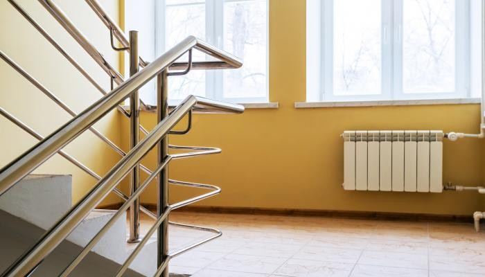 C mo pintar una escalera interior for Construir escalera interior
