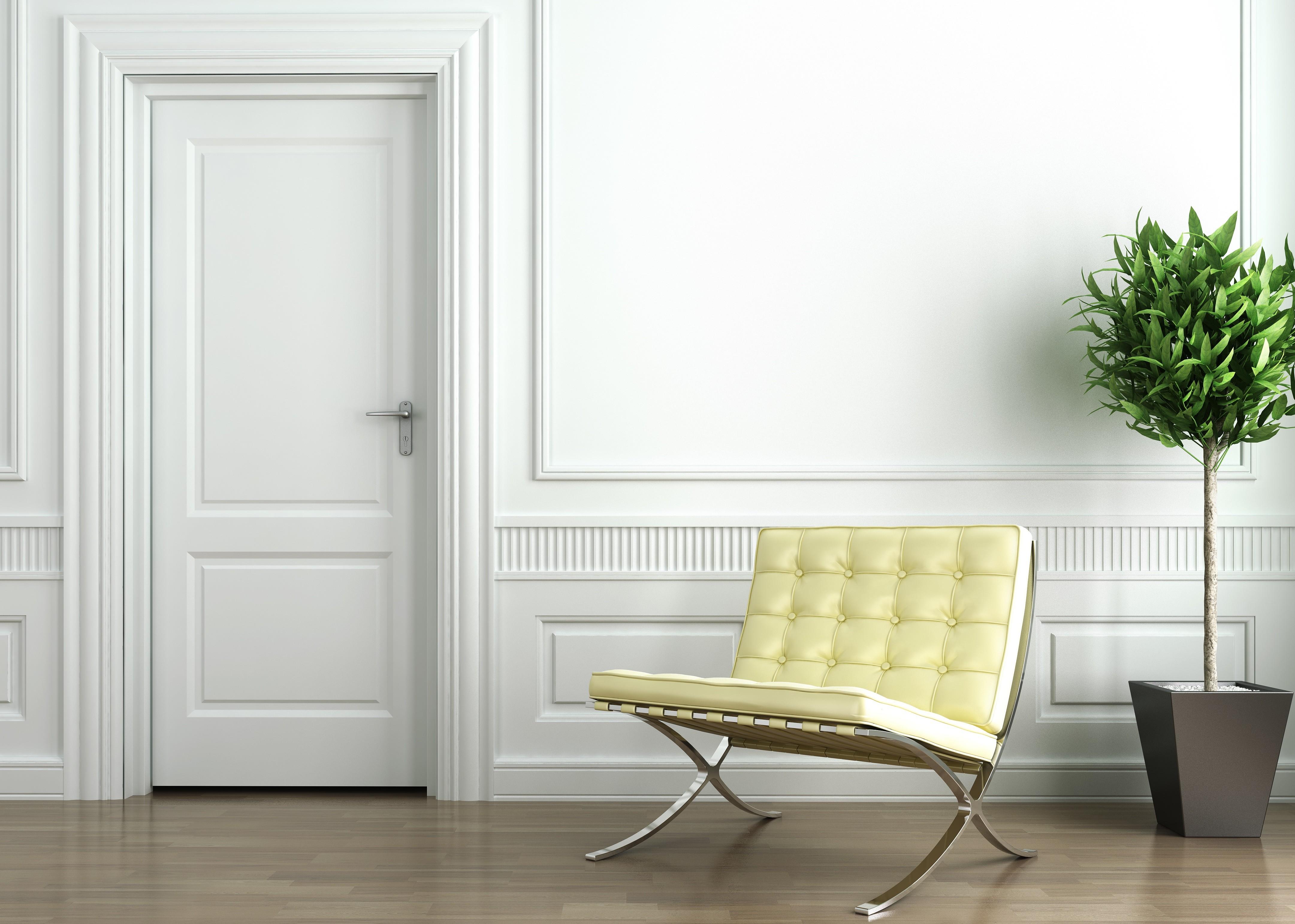 Lacar puertas en blanco for Colores para pintar puertas