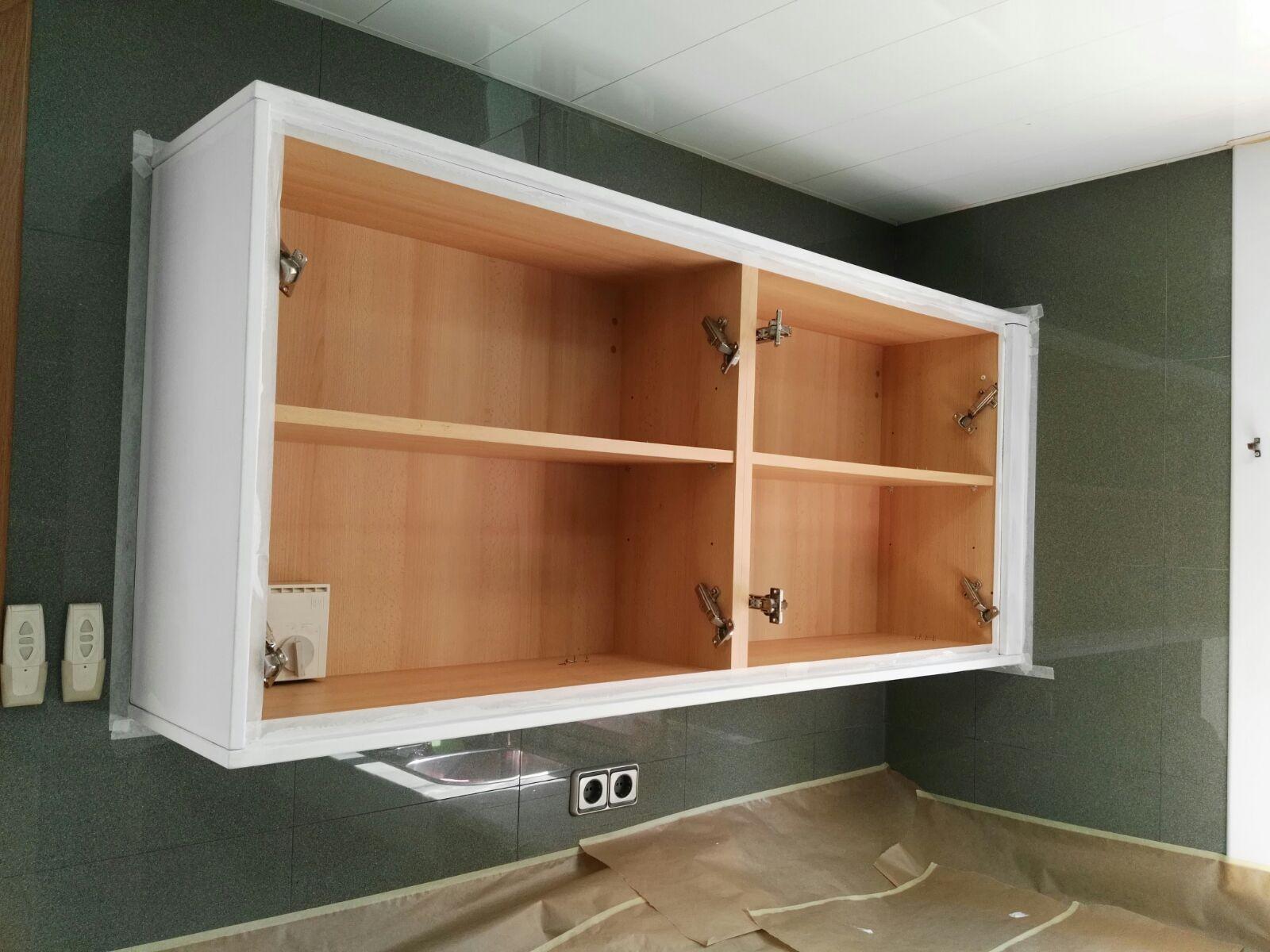 C mo pintar un mueble - Pintar muebles de cocina ...