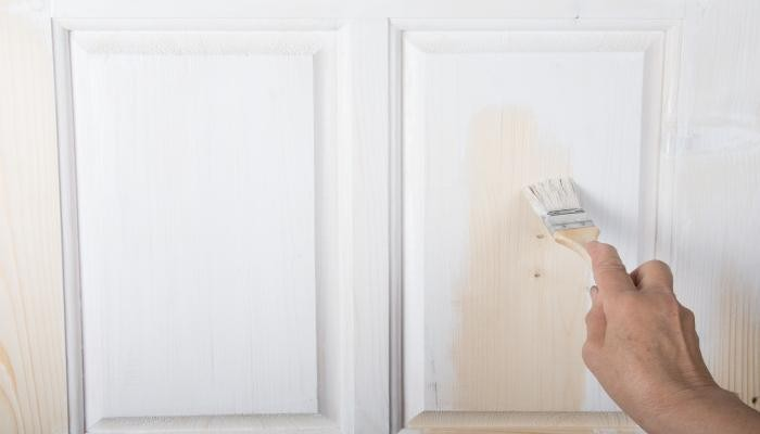 Lacar puertas for Pintar puertas